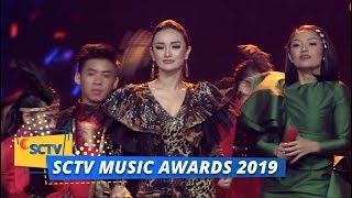 Siti Badriah Dan Zaskia Gotik - Lagi Syantik   SCTV Music Awards 2019