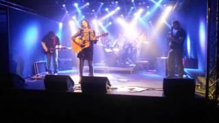 Video Alanis Morissette revival Brno - IRONIC