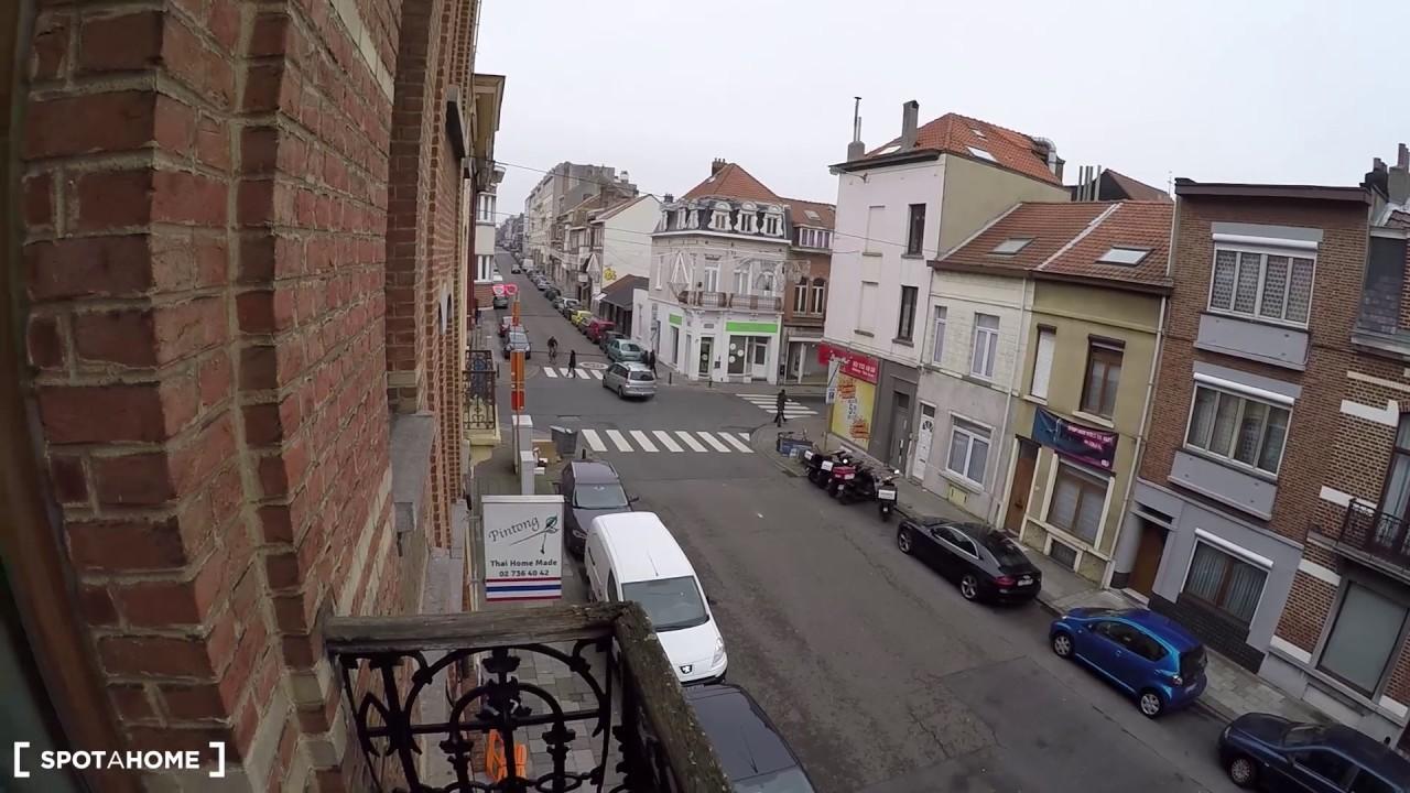 Single Bed in Rooms for rent in 4-bedroom house in Woluwe-Saint-Lambert