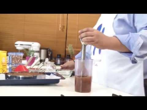Brownies με φιστίκι αιγίνης και γκανάζ σοκολάτας