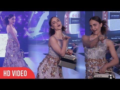 Elli Avram Dancing Ramp Walk at Fashion Show | Exhibit Tech Fashion Tour