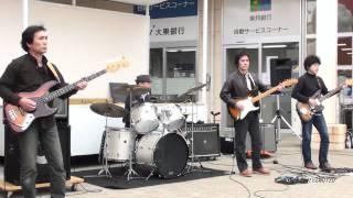 ザ・フィーチャーズ/ウォークドントラン'64~京都の恋~黒く塗れ~テ