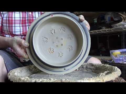 Dog bowls demonstration
