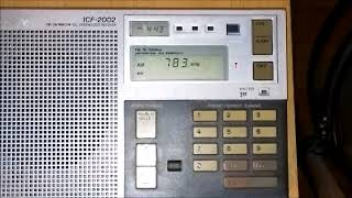 Sony ICF-2002 AM/MW DX of WBBM @ 780 kHz from Chicago, Illinois, USA