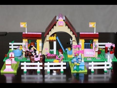 Vidéo LEGO Friends 3189 : Les écuries de Heartlake City