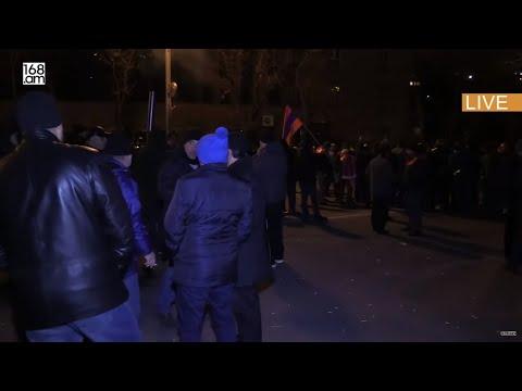 Մենք բանակի կողքին ենք. ակցիա Ազատության հրապարակում. ՈւՂԻՂ