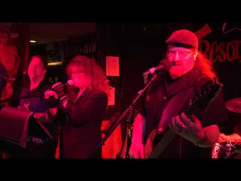 Jette & the Resonators at Baxters April 20, 2013 (1)