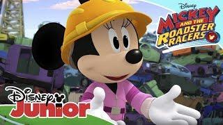 Ο Μίκυ σε Αγώνες Ταχύτητας   Οι Χαρούμενοι Βοηθοί στην Μάντρα του Πιτ! 🚗   Disney Junior Ελλάδα
