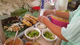 Yummy Breakfast - Cheap Street Food In Phnom Penh - Cambodian Street Food
