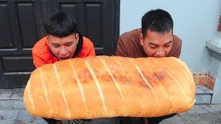 Hữu Bộ | Làm Chiếc Bánh Mì Kẹp Pate Khổng Lồ To Nhất Việt Nam