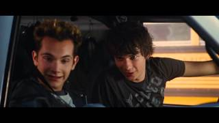 Diary of a Wimpy Kid 2 Rodrick Rules Bad Soccor + Crazy Van Driving