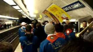 preview picture of video 'Pena pendule dans le metro 5'