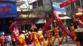 preview picture of video 'Múa sư tử ( lân ) hội Đền Tả Phủ, 27 âm 2013 - Lạng Sơn'
