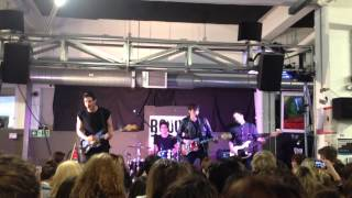 Drowners - Luv Hold Me Down (Live at Rough Trade)