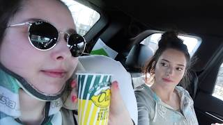 Vlogging with EDS: Bending my Knee, Meeting my PCP, and Switching Places with My Sister | Week 78