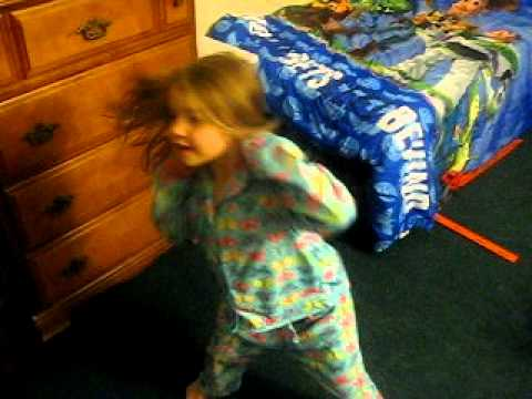 "Gianna Dances to the  ""Single Ladies"" (Chipettes Version)"