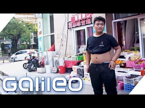 Dürfen Männer in China wirklich keinen Bauch zeigen? | Galileo | ProSieben