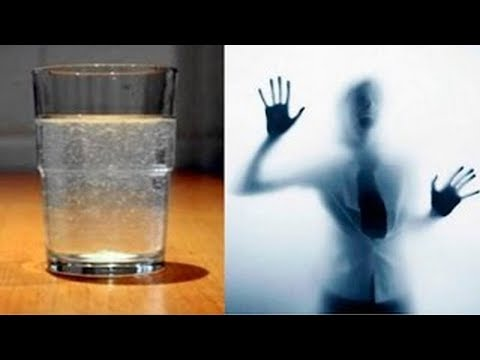 Een glas water in elke hoek van je kamer?