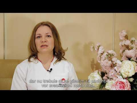 Femeia grasă vindecă articulațiile