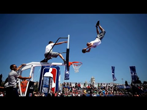 Insane Basketball Trickshots and Dunks (видео)