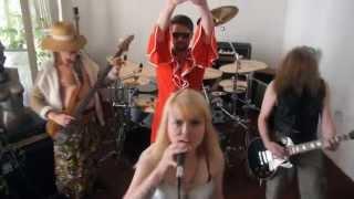 Video WAIT - Perfect Liar (Official Video)