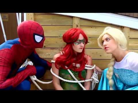 Frozen Elsa and Spiderman , having a hard times (видео)
