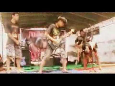 BELAH LOLOR - Es Campur Suroboyo + Alat Pengaduk Tai (LIVE @TOTAL KAMBUH #2 2013 ZCG)