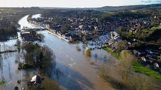 UK climate: Evacuations under way as Rivers Severn and Aire breach banks