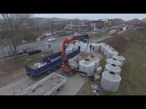 Drücke auf das Gas verbrauche das Benzin vergeblich, herunterzuladen
