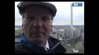 preview picture of video 'Weihnachtsmann besucht RWE-Kraftwerksbaustelle in Hamm-Uentrop'