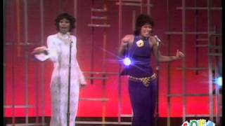 """Friends of Distinction - """"Grazing in the Grass"""" on The Ed Sullivan Show"""