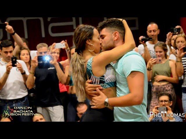 Luis & Andrea - Romeo Santos - Carmín