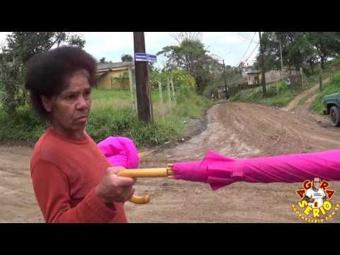 Dona Zilda reclama do serviço que a secretária de obras fez na Rua Justinos Mendes de Oliveira