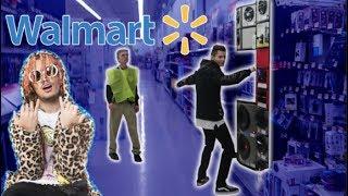 "Lil Pump ""Gucci Gang"" Speaker Challenge in Walmart! (Cops Come)"