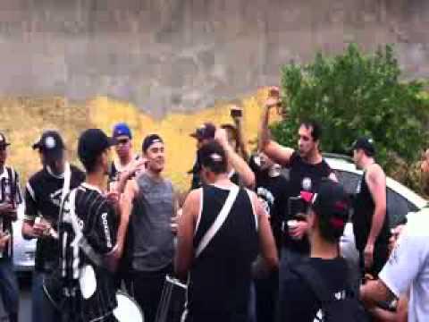 Novo Grito do Timão 'Vai Corinthians, eu estou aqui'