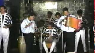 Un Viejo Amor (En vivo) - Miguel Morales  (Video)