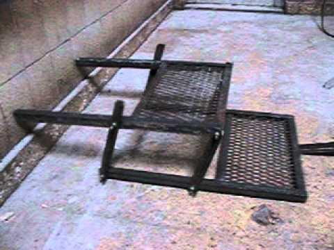 Armando la escalera plegable para Libertad