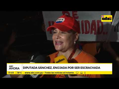Diputada Sánchez, enojada por ser escrachada