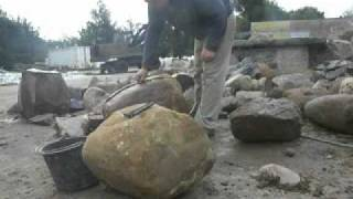 łupanie polnych kamieni  (bytów)