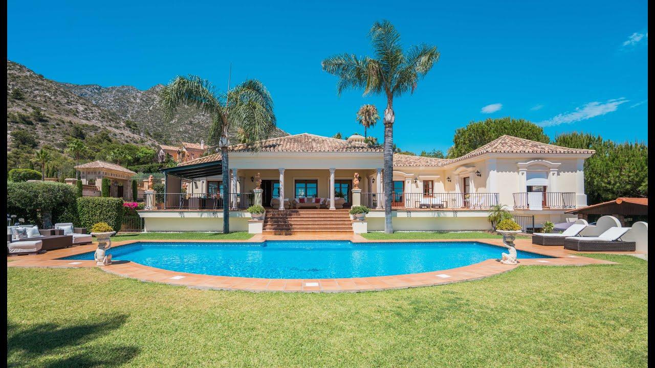Stunning villa in the prestigious and gated community of Sierra Blanca