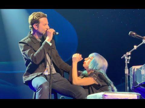 ليدي جاجا وبرادلي كوبر يغنيان Shallow على الهواء لأول مرة