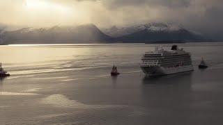 Stranded cruise ship arrives at Norwegian port
