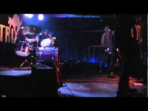 4 Grammy - Life is Bitch- Live in Matrix (30.4.11)