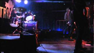 Video Life is Bitch- Live in Matrix (30.4.11)