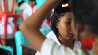 preview picture of video 'PASKIBRA SMP N 2 SINTANG (sumpah Pemuda 2013)'