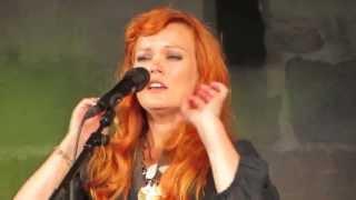 Anna Puu - C'est La Vie @ Kaustisen folk music festival 2013