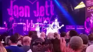 Joan Jett and the Blackhearts - The French Song - Fremont Street Experience