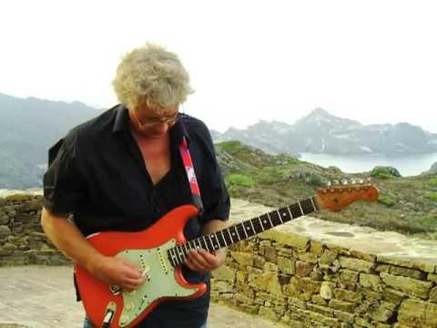 Mood In E Minor  -  Stefan May at the Cap de Creus