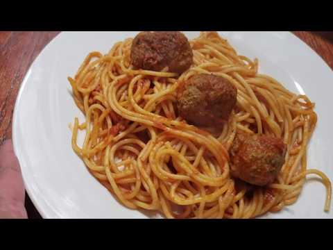 Spaghetti Con Albondigas De Carne