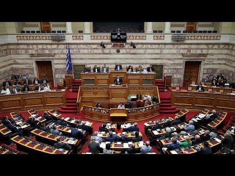 Βουλή: «Πέρασαν» τα μέτρα